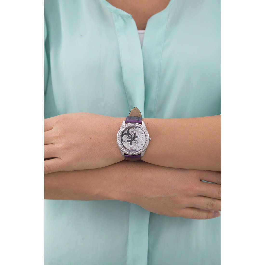Guess only time woman W0627L8 indosso