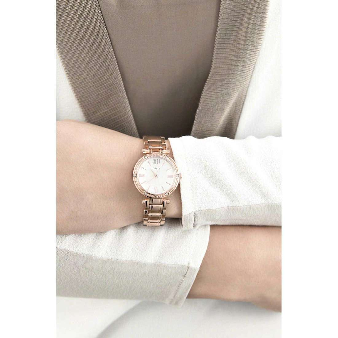 Guess only time woman W0767L3 indosso
