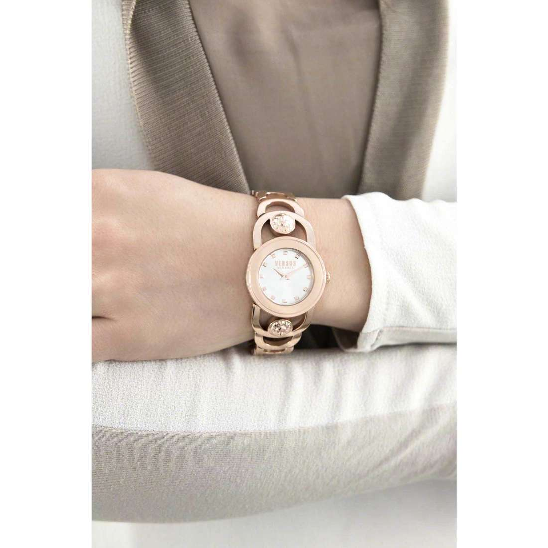 Versus only time V Carnaby woman SCG130016 indosso
