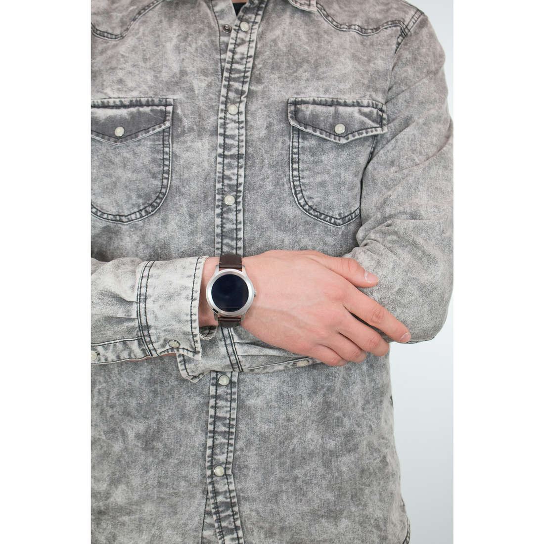Fossil Smartwatches Q Founder man FTW2119 photo wearing