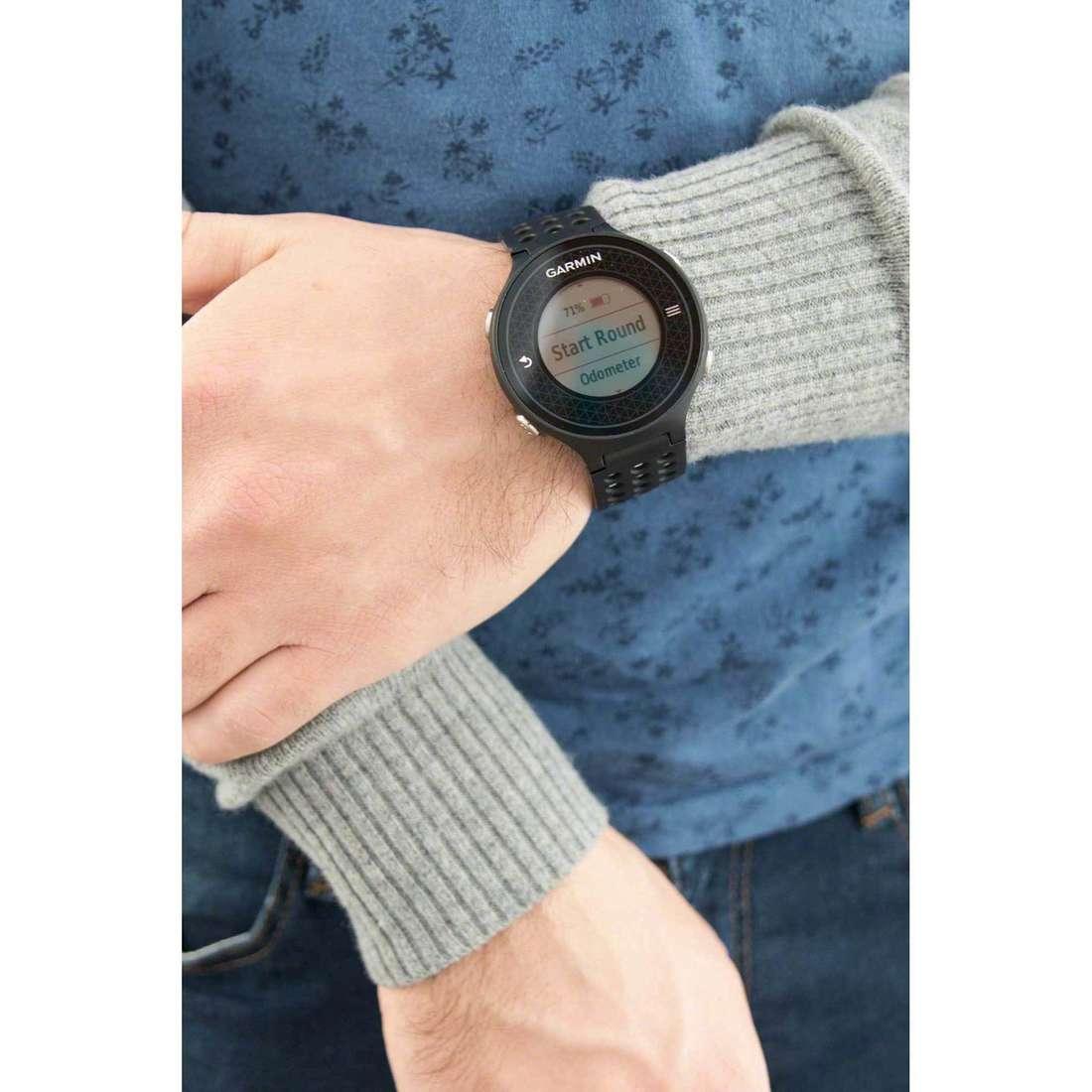 Garmin Smartwatches Golf man 010-01195-01 indosso